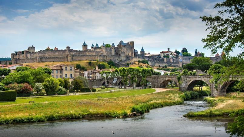 À Carcassonne, les affaires immobilières ne sont pas toujours à la hauteur de la magnifique vue qu'offre la ville.