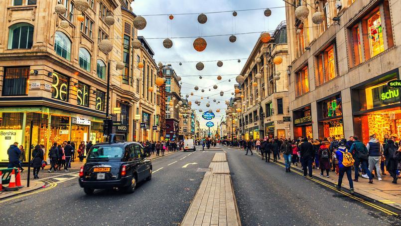 Plus de 13.000 piétons circulent par heure sur Oxford Street