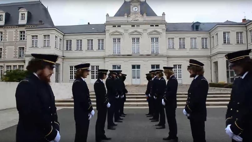 Angers : 16 étudiants marqués à la cuillère brûlante lors d'un bizutage