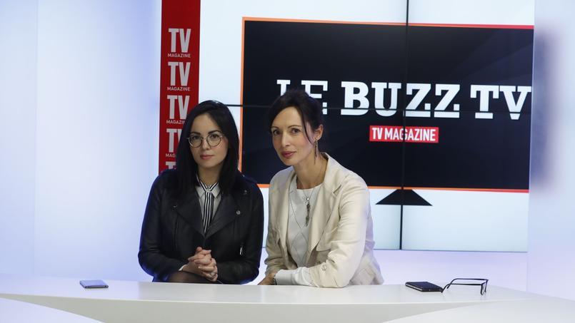 Agathe Auproux (à gauche) aux côtés d'une autre chroniqueuse de  <i>«Touche pas à mon poste»</i> Géraldine Maillet