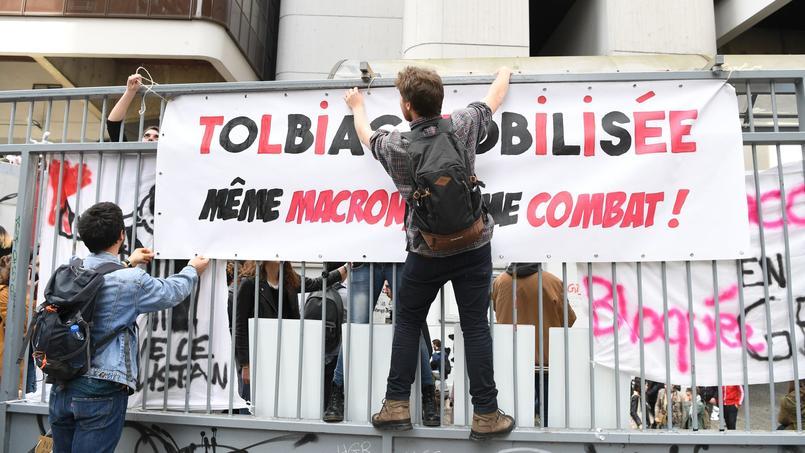 Intervention policière en cours à Tolbiac pour évacuer les bloqueurs — Sorbonne
