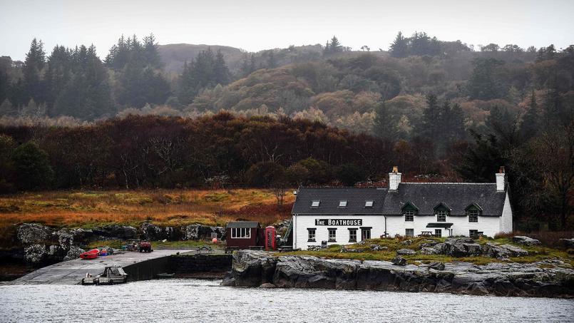 Les habitants de cette île écossaise la rachètent pour éviter d'être expulsés