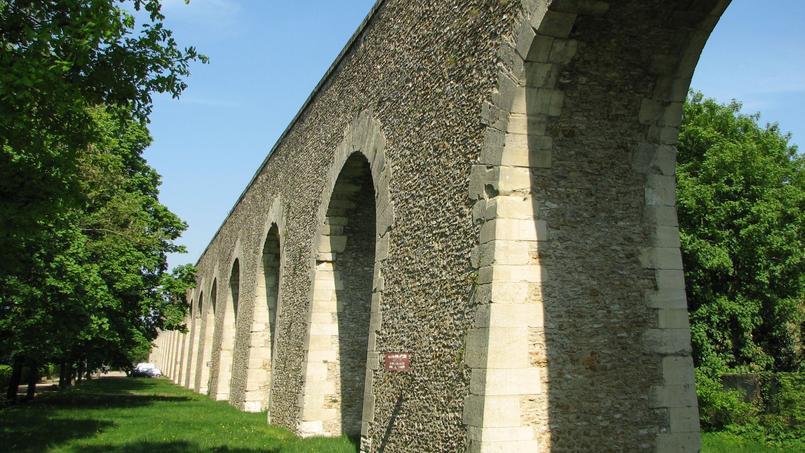 L'Aqueduc de Louveciennes, dans les Yvelines.