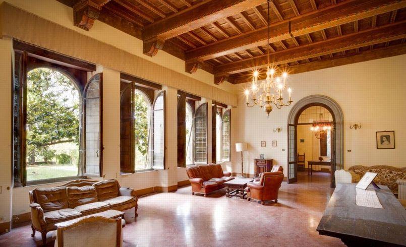 Vendre village toscan et son palais de 7000 m tres carr s - Acheter village abandonne ...