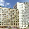 Le cabinet d'architectes Reichen et Robert & Associés a choisi de différencier les facades de l'immeuble pour distinguer ses différentes utilisations. Ici, une résidence hôtelière Adagio à gauche et la partie résidentielle à droite.