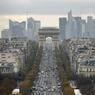 L'Avenue des Champs Élysées à Paris (13 255 €/m²/an) occupe la troisième place. Elle est par ailleurs, la plus chère d'Europe. La Capitale française compte aussi 5 rues commerçantes parmi les plus chères en Europe.