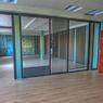 Ce décor de bureaux, à Nanterre, est loué 2200 euros la journée.