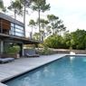 La piscine est toujours très demandée dans les décors (ici une maison d'architectes dans el sud-ouest).