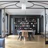 Les appartements haussmanniens ont toujours la cote. Certains réalisateurs apprécient qu'ils soient décorés de manière contemporaine.