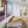 <b>APRÈS.</b> Avec ses multiples fenêtres de toit, l'endroit profite d'une belle lumière.