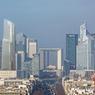 Vue générale de la future skyline de La Défense où la nouvelle tour se détachera nettement sur la gauche de l'axe historique menant de l'Arc de triomphe.