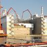 C'est dans le port industriel de Marseille que sont fabriqués depuis septembre 2017, les 18 caissons de béton de protection nécessaires au projet.