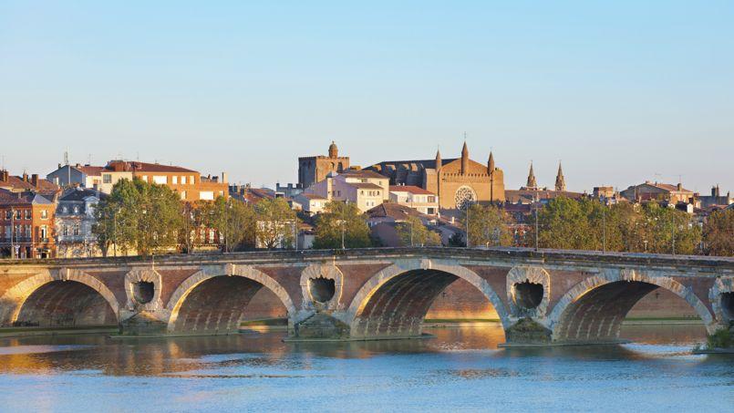 Selon le Crédit Foncier, les prix devraient baisser cette année de 1% en province (                 <i>ici, Toulouse</i>) et de 0,7% en Île de France. Crédit: SergiyN/iStock