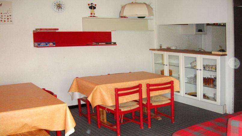 Avant apr s l incroyable transformation d un appartement de montagne vieillot - Que doit contenir un appartement meuble ...