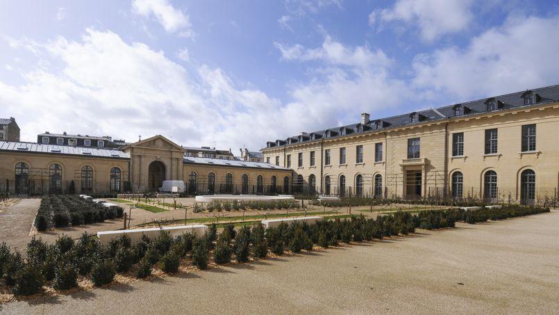 Versailles la romanesque r novation de l ancien h pital royal - Appartement moderne ancien hopital ...