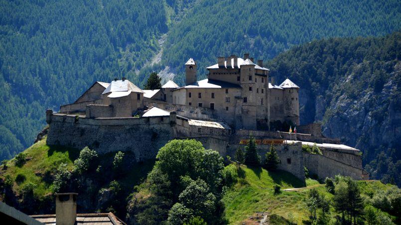 chateau a vendre hautes alpes
