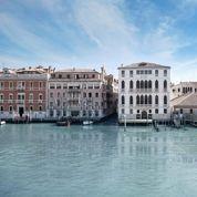 En Bourgogne ou à Venise, restaurer de vieilles pierres est toujours une aventure