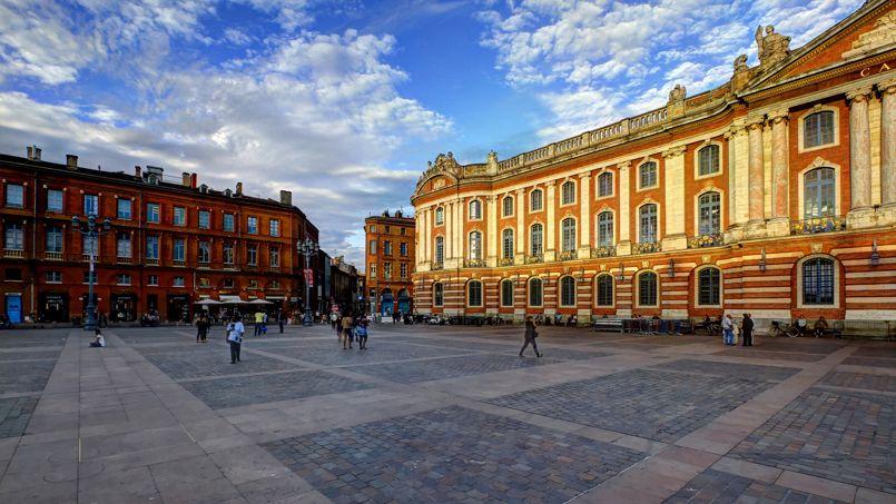 La place du Capitole, à Toulouse. Crédit: Pierre-Selim (Flickr).