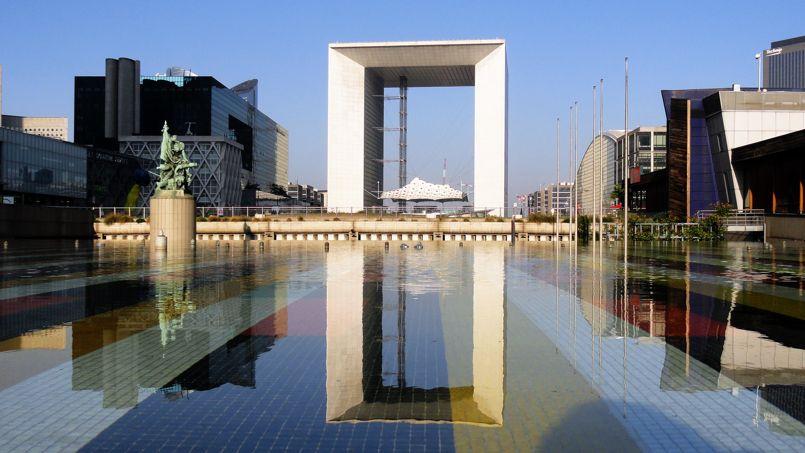 La grande Arche de la Défense. Crédit: Wikipédia. Créative Commons.