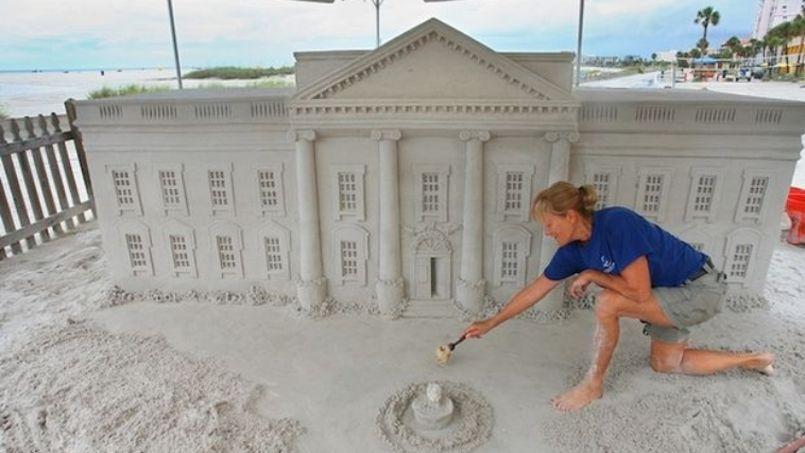 Le tour du monde en dix ch teaux de sable for Le chateau le plus beau du monde