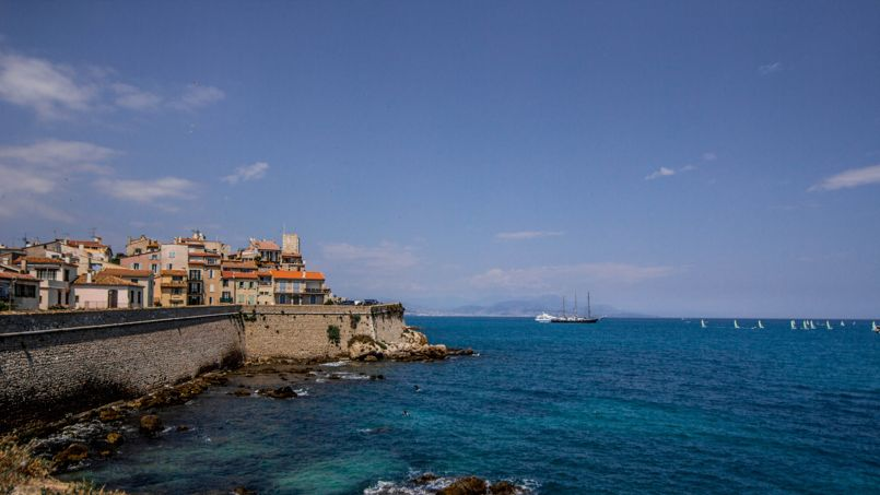 La vieille ville d'Antibes. Crédit: Graham Campbell (Flickr).