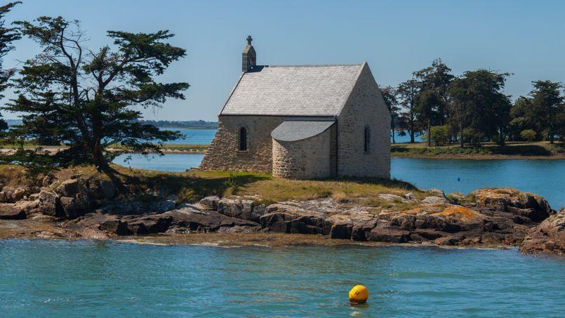 La chapelle de l'île de Boëdic, que Me Metzner avait transformé en salon de musique. Crédit: Peter Van Eynde.