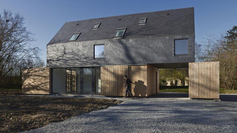 Un audacieux toit en ardoise pour une maison bretonne for Architecte pour les maisons
