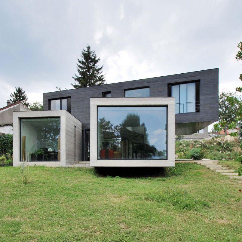 En r gion parisienne deux pavillons de verre et de b ton for La maison france 5 architecte