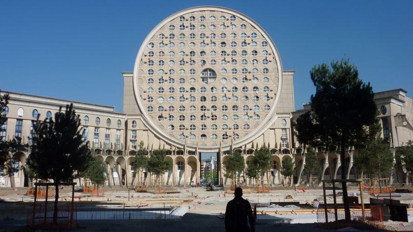 Les HLM sont loin de ne concerner que de vastes ensembles comme cet immeuble de Noisy-le-Grand.
