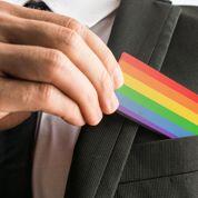 Les jeunes LGBT hésitent encore à dévoiler leur sexualité au travail