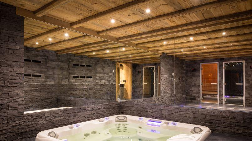 Des chalets si douillets et si chers for Hammam et sauna