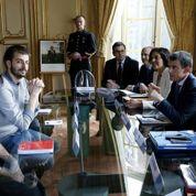 Loi travail: Valls reçoit les organisations étudiantes pour apaiser les tensions