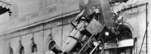 Il y a 121 ans... une locomotive défonçait la gare Montparnasse