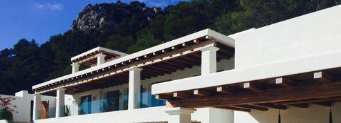 Au soleil, villa de rêve et pied-à-terre à Ibiza