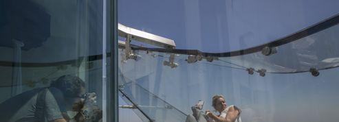 «Skyslide», le toboggan qui fait basculer du bureau... au vide