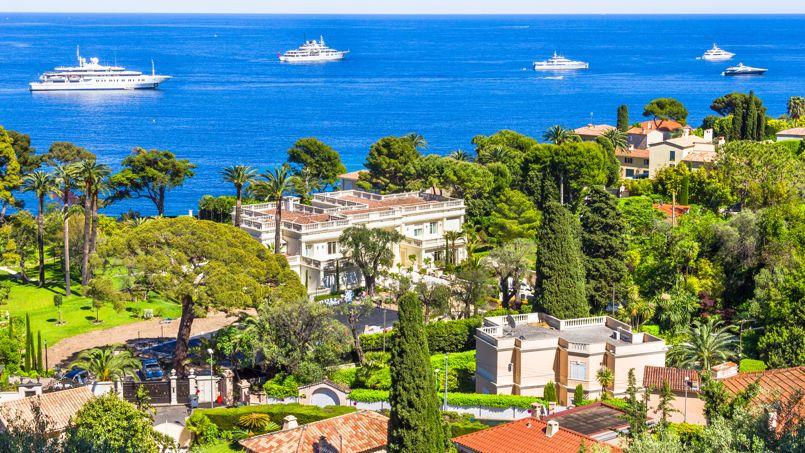 120 millions d'euros, c'est le montant d'une transaction récente pour une villa à Saint-Jean-Cap-Ferrat (notre photo), vendue plus de 200.000 euros le m² habitable.