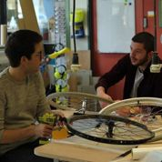 Le fauteuil roulant de ces étudiants intéresse James Dyson