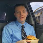 Cet étudiant gagne 1600 euros par mois en testant des hamburgers sur YouTube