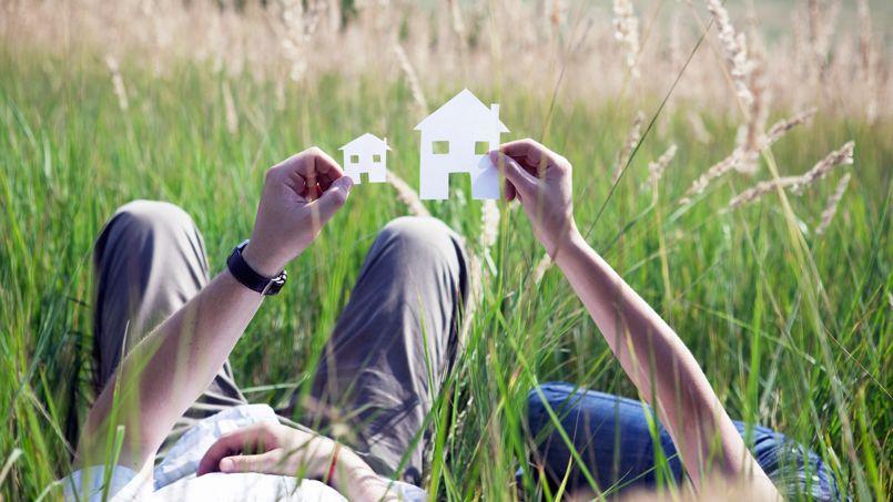 Les ménages peuvent acheter un logement plus grand ou mieux placé qu'avant. La baisse des taux dope leur pouvoir d'achat.