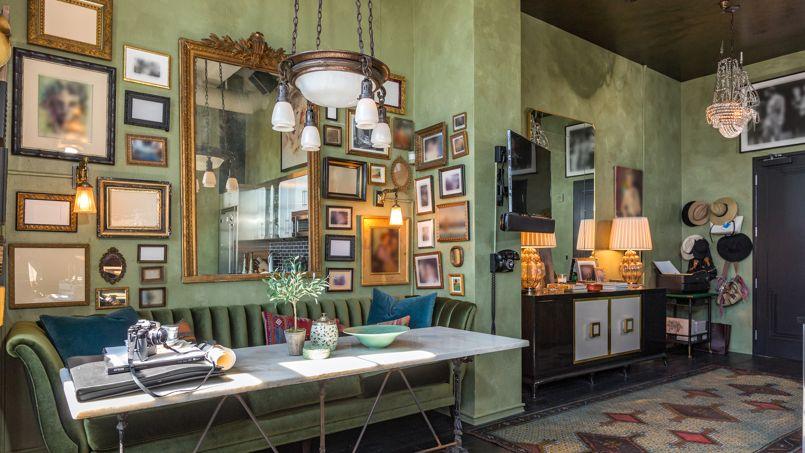 d couvrez le flamboyant loft art d co de johnny depp. Black Bedroom Furniture Sets. Home Design Ideas