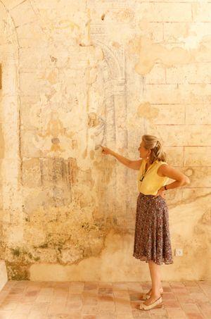 Agnès Chombart de Lauwe décryptant les fresques.