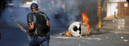 Manifestations étudiantes: l'Afrique du Sud s'embrase