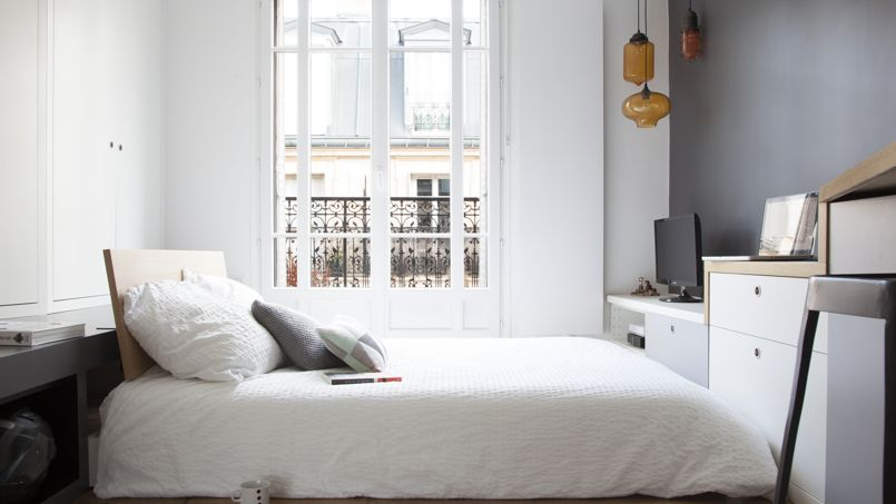 avant apr s d une chambre vieillotte un studio grand confort. Black Bedroom Furniture Sets. Home Design Ideas