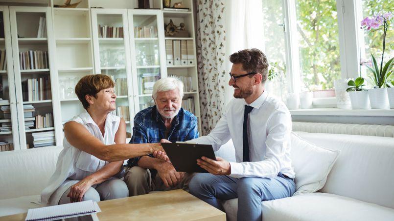 La vente en viager concerne en particulier les personnes d'un âge certain intéressées par l'idée de profiter de leur bien jusqu'au dernier moment.