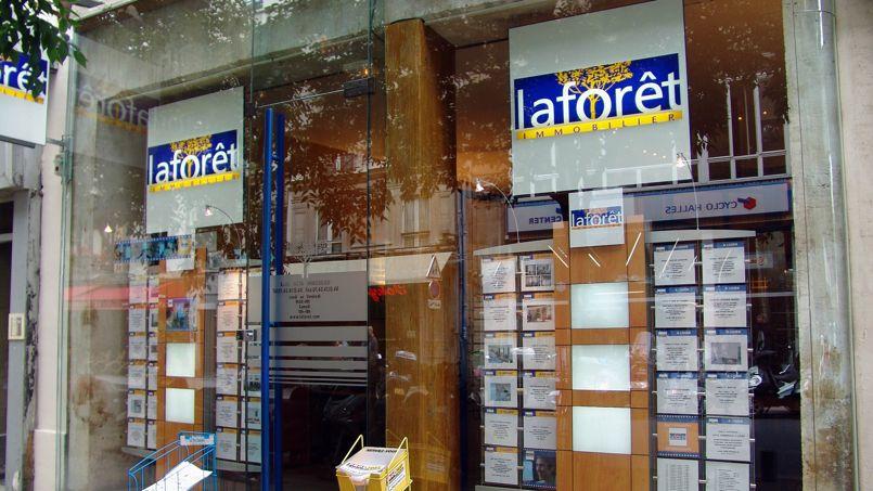 Photo d'une agence Laforêt prise en 2004.