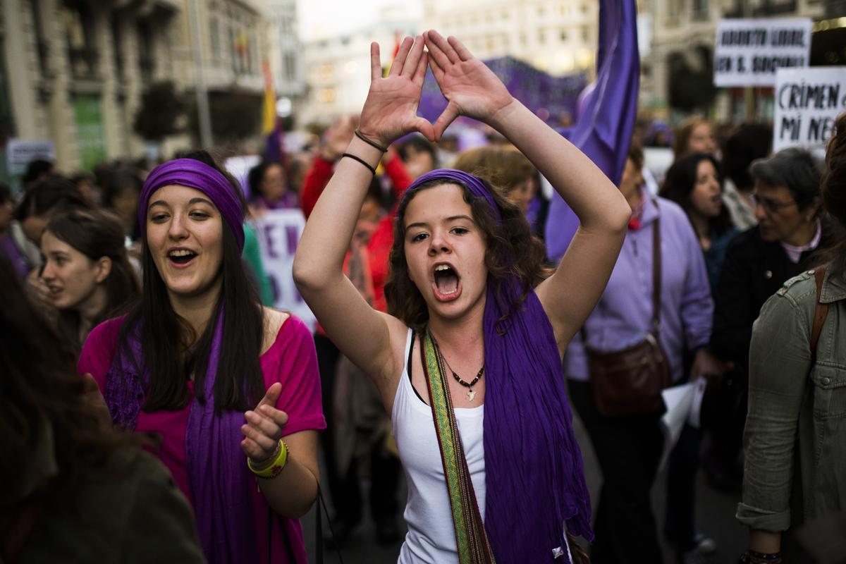 manifestation-contre-la-loi-anti-avortement-en-espagne-lors-de-la-journee-internationale-des-femmes