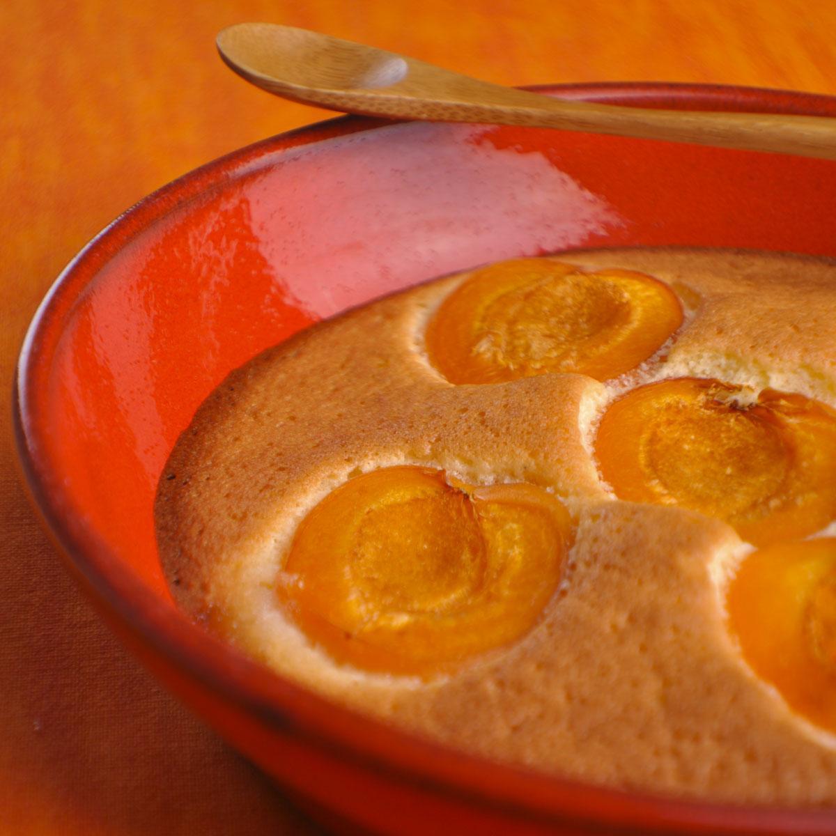 clafoutis aux abricots sans gluten ni uf ni lait une recette dessert cuisine le. Black Bedroom Furniture Sets. Home Design Ideas