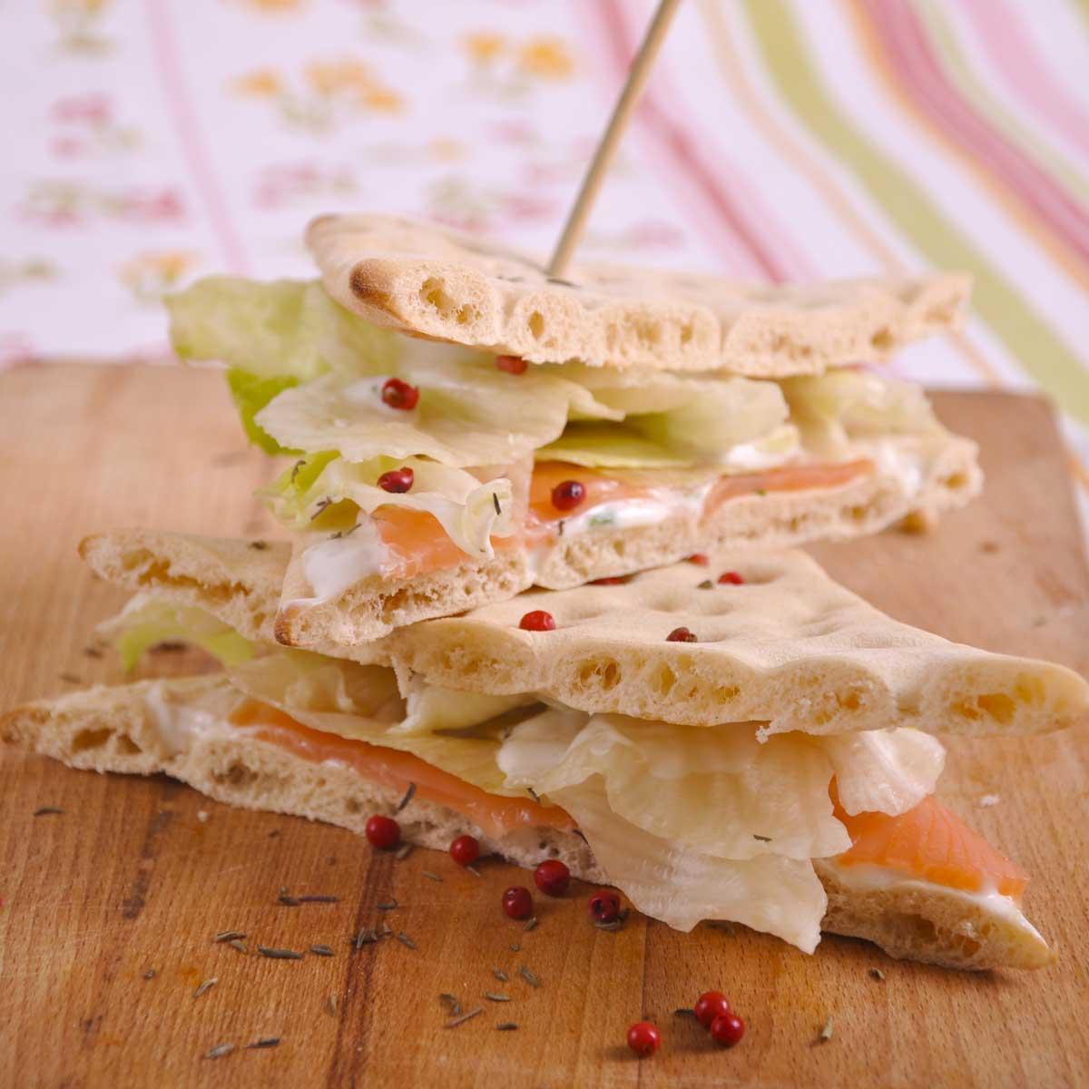 sandwich au saumon une recette entre amis cuisine le figaro madame. Black Bedroom Furniture Sets. Home Design Ideas