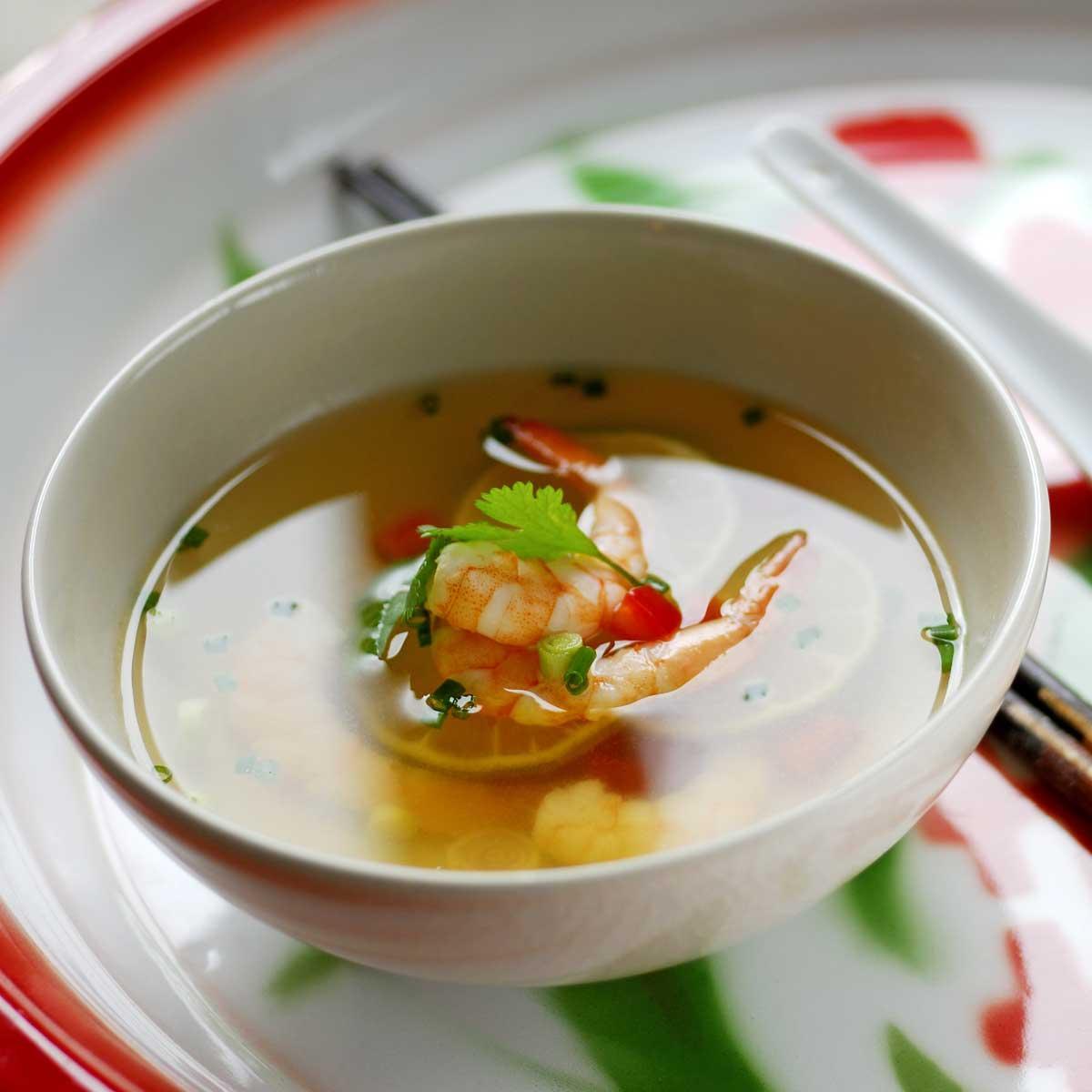 Recette soupe chinoise aux crevettes cuisine madame figaro - Cuisine chinoise recette ...