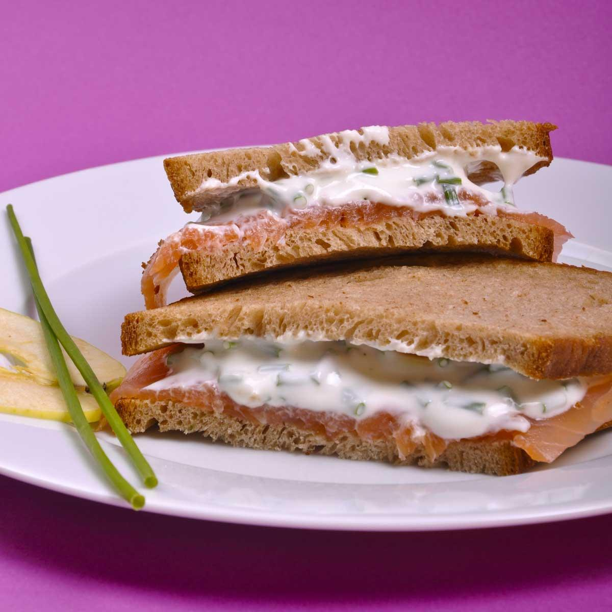 recette sandwich nordique au saumon cuisine madame figaro. Black Bedroom Furniture Sets. Home Design Ideas